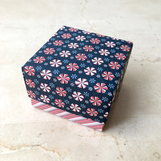Super Easy Origami Box!! : 3 Steps - Instructables   560x560